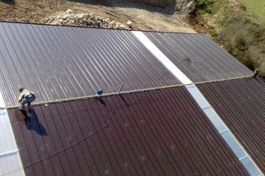 Costruzione tetto con linee vita e isolamento termico