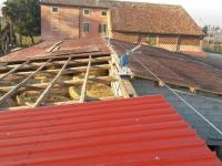 Fase di lavorazione per ricostruzione copertura dopo rimozione amianto
